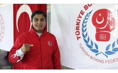 Dünya şampiyonu boksör Busenaz Sürmeneli kız çocuklarına rol model olmak istiyor