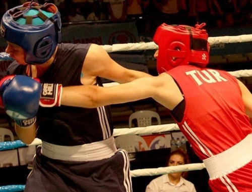 Kadın milli boksörler Sırbistan'da 5 madalya kazandı