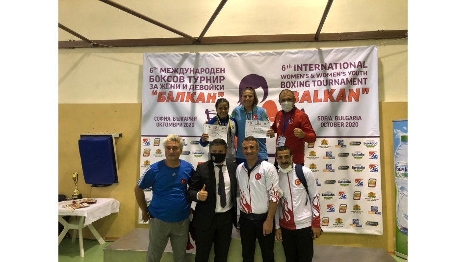 Olimpik kadın boks takımından 3 madalya
